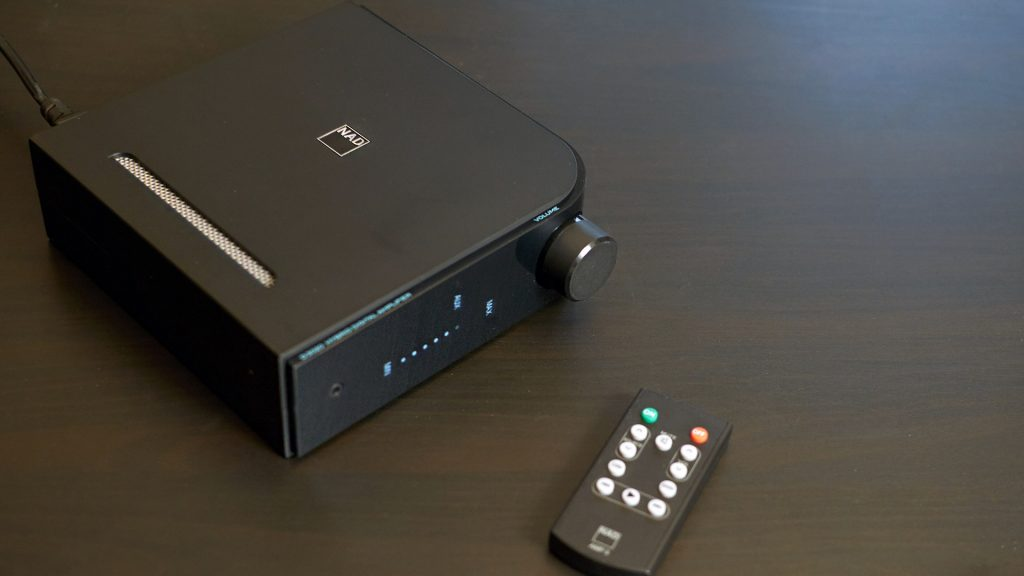 NAD D 3020 V2 black with a remote