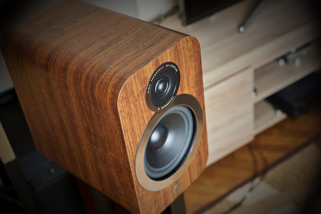 Q Acoustics 3030i second view